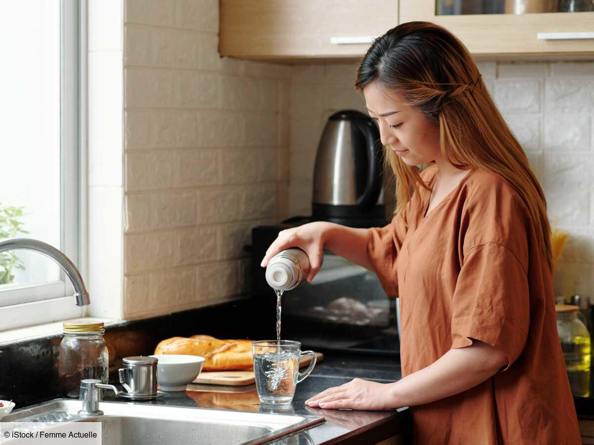 © iStock Drinking hot water: the benefits and harms