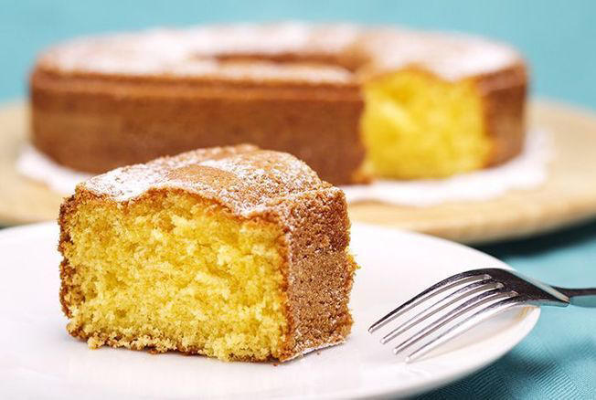 © iStock Here is the recipe for the best yogurt cake in the world and it is signed Julie Andrieu